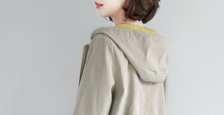 """天凉了,但别急买羽绒服!瞧瞧新出""""薄外套"""",一款比一款美得慌"""